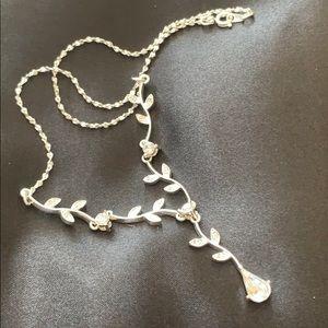 NWOT! Dillard's necklace